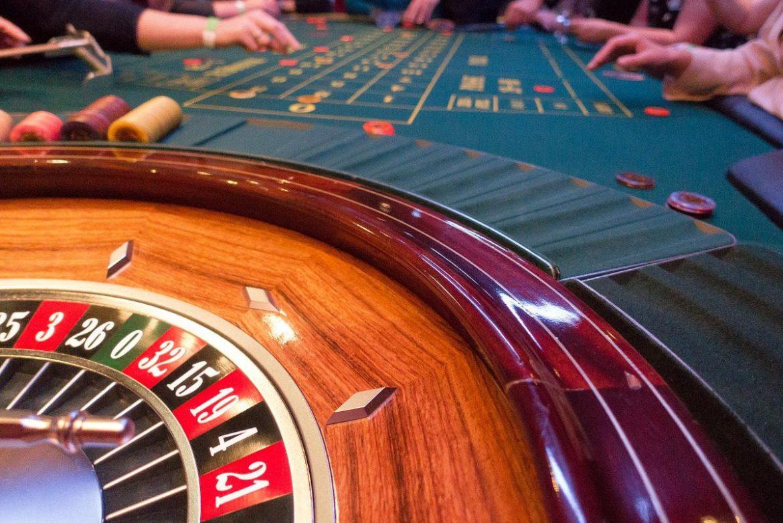 В каких казино играть в покер казино в казахстане фото